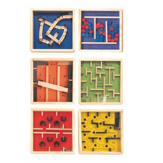 Дървена игра лабиринт в синьо
