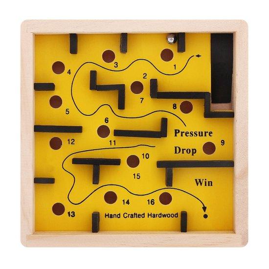 Дървена игра - Лабиринт 12 x 12 см, жълт