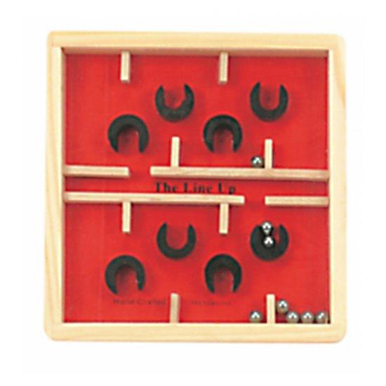 Дървена игра лабиринт в червено