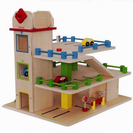 Дървен гараж със 7 броя аксесоари