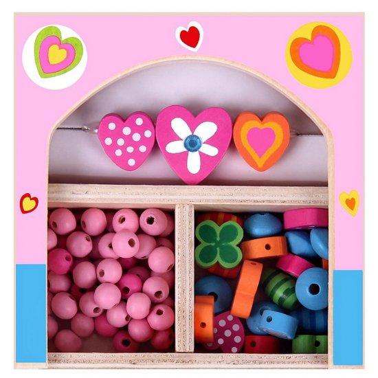 Дървени мъниста в кутия - Сърца