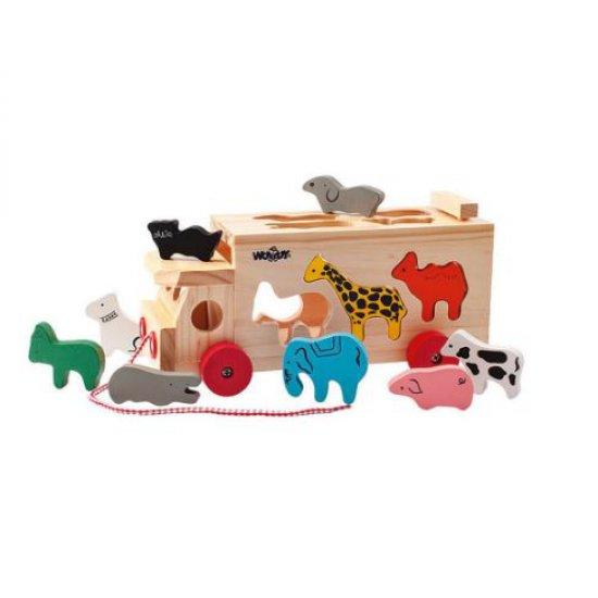 Дървен камион-сортер с животни