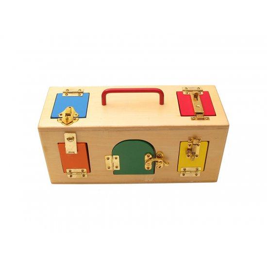 Дървена кутия със заключалки - Монтесори материали