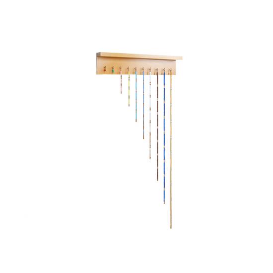Цветни вериги от нанизи с поставка - Монтесори материали